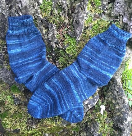 Handgestrickte Socken 1